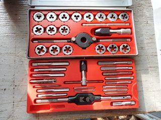 Craftsman Metric Tap   Die Set