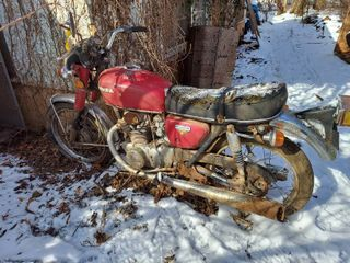 Honda 350 Motorcycle   No Title