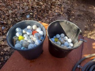 2 Containers Golf Balls