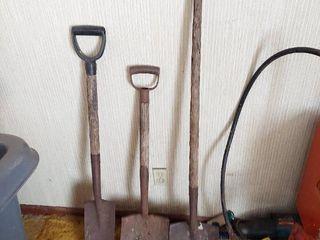 3 Shovels