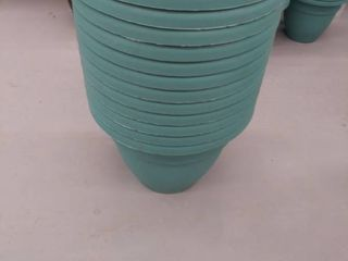 15 10  Plastic Planter with Removable Drain Plug  Model  CNA08000DE1