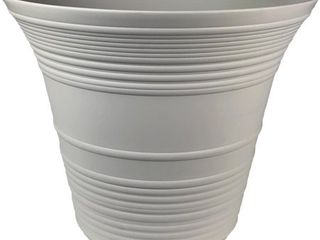 10 Myers Sedona Planter no size listed