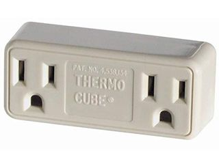 Farm Innovators TC 3 Cold Weather Thermo Cube Thermostatically Controlled Outlet   On at 35 Degrees Off at 45 Degrees