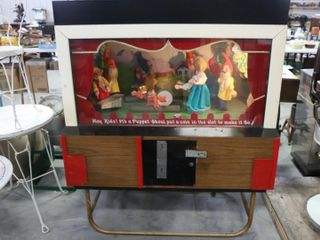 EARlY ElECTRONIC PUPPET SHOW MACHINE