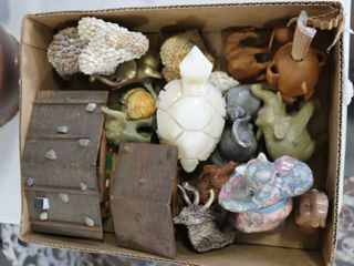 BOX OF ASSORTED ORNAMENTS