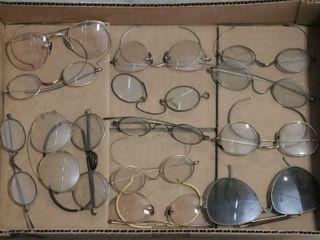 BOX OF EARlY EYE GlASSES
