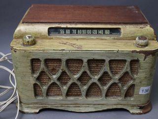 ElECTROHOME TABlE TOP RADIO