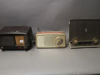 GROUP OF THREE TABlE TOP RADIOS