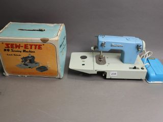 SEW ETTE SEWING MACHINE WITH BOX
