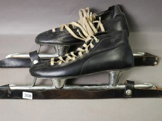 VING SPEED SKATES WITH BlADE COVERS