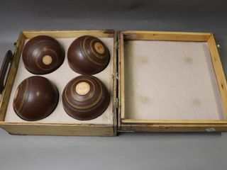 FOUR lAWN BOlWING BAllS WITH CASE