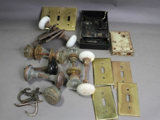 lOT OF DOOR KNOBS  BRASS COVERS AND HARDWARE