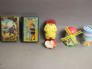 lOT OF 5 TIN PlASTIC COIN BANKS