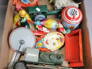 lOT OF TIN CHIlDS TOYS
