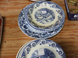 lOT OF 13 BlUE AND WHITE DISHES