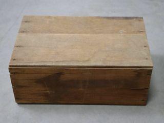 WOODEN BOX IRIS DRIED FURNES 15X10X7