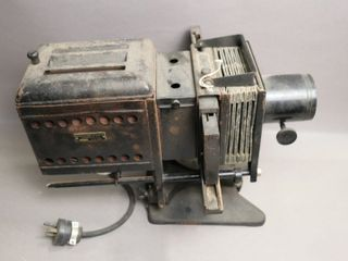BAUSCH AND lOMB SlIDE PROJECTOR