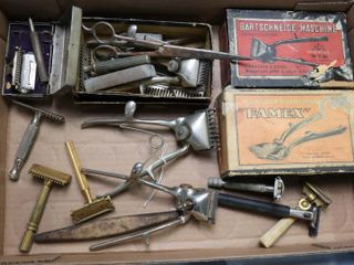 GROUP OF ASSORTED VINTAGE RAZORS