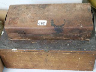 WOOD BOX AND SOCKET SET