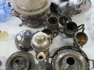 ASSORTED SIlVER PlATE SERVING ITEMS
