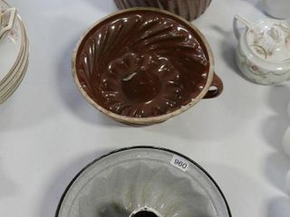2 GlASS MOUlDS AND ENAMEl TIN
