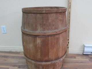 Wooden Barrel   Baril en bois