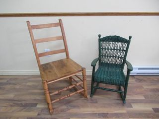 lot 2  Rocking Chairs   Chaises bercantes