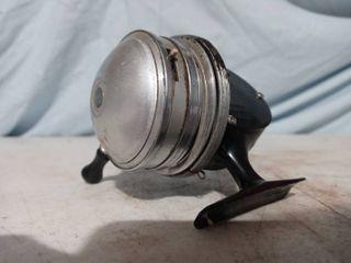 Vintage Shakespeare Wondercast Fishing Reel