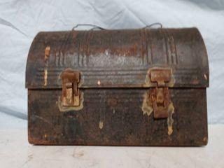Vintage Metal lunch Box