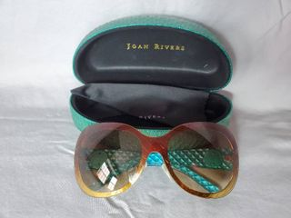 Joan Rivers Teal Sunglasses with Case