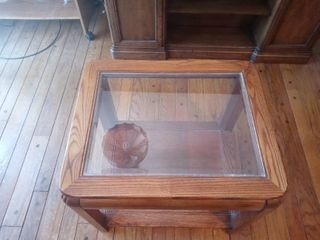 Very Nice Vintage Wooden Glass Topped End Table In Excellent Condition