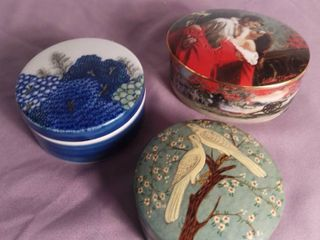 lot Of 3 Jewelry  Trinket Dishes W  lids   1 Ceramic Dish Blue With Floral Tree Design   1 Ceramic Dish  Music Box  Painted By William T  Chambers   1 Handmade in India Trinket Box With 2 birds and Cherry Blossom Design