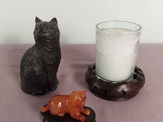 lot Of 3 Trinkets   1 Classique Coal Black Cat Figurine   1 Tigers Eye Stone Carved Cat Trinket W  Wooden Base   1 Wooden Candle Base With Candle