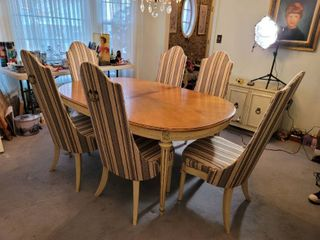 Hickory MCM Formal Dining Table with 6 Chairs and Cover
