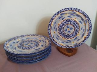 lot of 8 Temp tations Presentable Ovenware by Tara Old World Pattern 10 5  Plate Oven Dishwasher and Microwave Safe