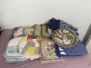Small lot of Various Miscellaneous Pot Holders