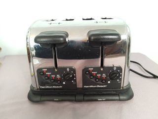 Hamilton Beach 4 Slot Toaster with Crumb Trays   Tested and Working