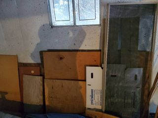 lot of Miscellaneous Scrap Wood  Plyboard  Trim and More  must have means of removal