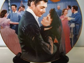 Gone with the Wind  The Waltz By Paul Jennis  Collectible Plate with Stand