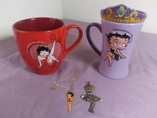 lot Of 4 Betty Boop Collectible Items   2 Coffee Mugs   2 Necklace Charms