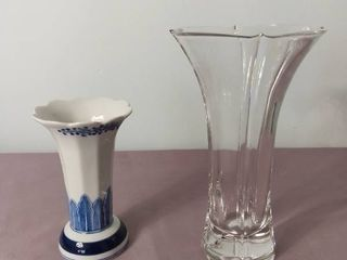 lot of 2 Glass and Ceramic Vases   Heavy Base on the Clear one and Blue and White one Made in Thailand