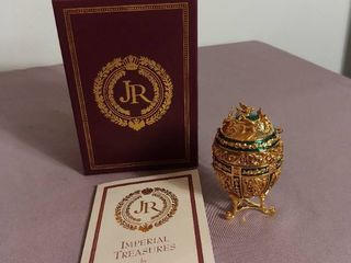 Imperial Treasures by Joan Rivers Series 1   Egg 4 in Series The Music Box Egg