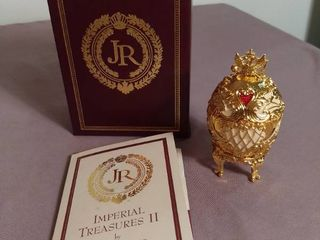 Imperial Treasures by Joan Rivers Series 2   The Second Egg in This Series The Musical Palace Egg