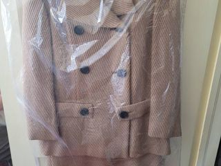 Duvalls Vintage Department Store Womans Coat and Sleeveless Dress   Tan Silk lining Size large