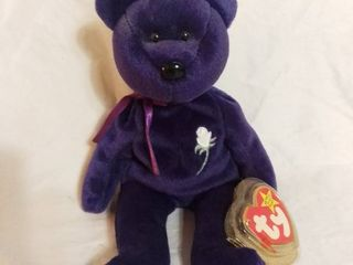 Rare Diana  Princess of Wales Beanie Baby with Tag   Tag not Attached anymore but in good condition   Purple Bear with White Rose Heart in Honor of the late Princess Diana
