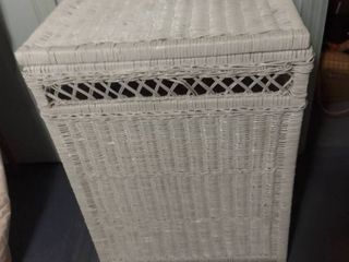 White Wicker laundry Basket with Attached lid