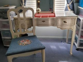 Bassett Furniture French Provincial Vanity with Chair
