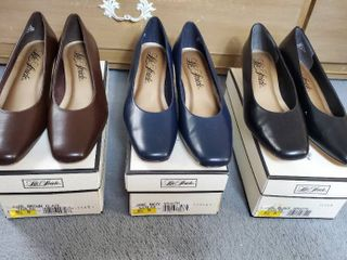 3 Pairs of life Stride Shoes   Jade Brown Navy and Black  Size 8 5