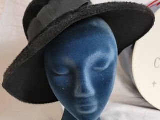 The Dutchess Black Womans Glamor Hat with Hat Box