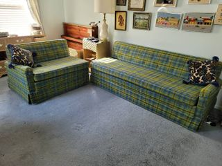 Mint Condition Groovy Green   Blue Plaid 2 Piece United Furniture 1960s Sectional